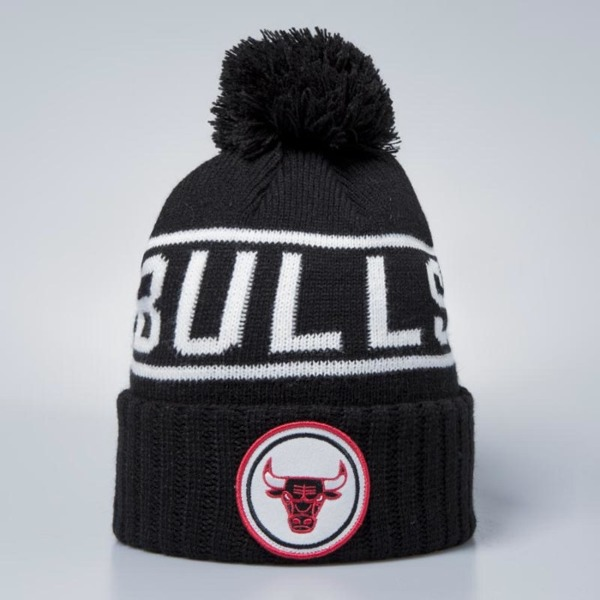 Mitchell   Ness Chicago Bulls Beanie black   white Glow In The Dark ... b1e7fa190bf